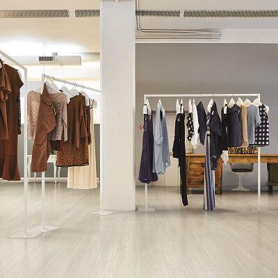 Kies je voor houtlook tegels of een houten vloer?