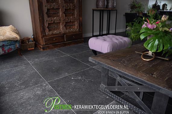 Populaire Black Tile vloertegel op zijn best